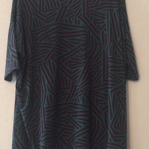 🌼 NWT Large LulaRoe Teal and Navy Irma Tunic